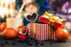 Dekorationen und Geschenk des neuen Jahres Lizenzfreie Stockfotos