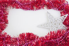 Dekorationsrahmen der Girlande bunter Weihnachtslokalisiert Stockfotografie