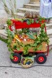 Dekorationswagen in einem kleinen Dorf Rost, in Österreich Lizenzfreies Stockbild