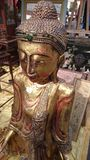 Dekorativ antik till salu buddha staty Royaltyfri Foto