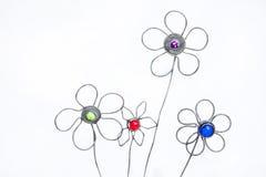 Dekorativ Atrificial hand tillverkad blommaordning Arkivfoton