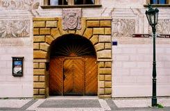 dekorativ dörrlamppost arkivbild