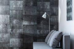 Dekorativ grå vägg royaltyfri foto