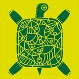 Dekorativ grön sköldpadda med prydnaden på en gul bakgrund Royaltyfri Fotografi