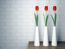 Dekorativ hylla med blommor Arkivfoton