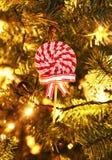 Dekorativ klubba på julgranen Royaltyfri Foto