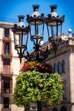 Dekorativ lyktstolpe i Barcelona Royaltyfri Bild