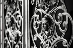 Dekorativ metallport Arkivbilder