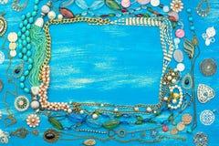 Dekorativ ram av smycken för kvinna` s Fotografering för Bildbyråer