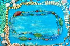 Dekorativ ram av smycken för kvinna` s Arkivbild