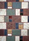 dekorativ tegelplattavägg Arkivbild