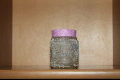 Dekorativ vit liten glass krus Royaltyfria Bilder