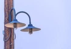Dekorativa blåa lampor Arkivfoton