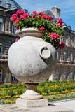 Dekorativa blommor för Luxembourg trädgårdar, Paris royaltyfri fotografi