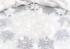 Dekorativa julsnöflingor för ram fyrkant Fotografering för Bildbyråer