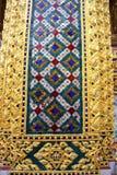 Dekorativa modeller i Wat Phra Kaew, Emerald Buddha Temple Arkivfoton