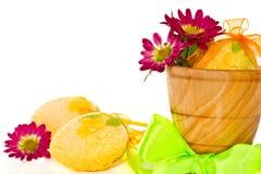 Dekorativa påskägg med blommor Arkivfoton