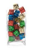 dekorativa presents för jul Arkivfoton