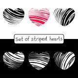 Dekorativa randiga hjärtor för din design Stock Illustrationer