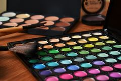 Dekorativa skönhetsmedel för makeup arkivbild