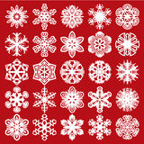 dekorativa snowflakes Vit på rött (uppsättning 1) Royaltyfri Fotografi