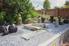Dekorativa springbrunnar för trädgården Arkivfoto