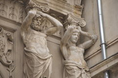 Dekorativa statyer av passagen Macca- Villacrosse, Bucharest Arkivbilder