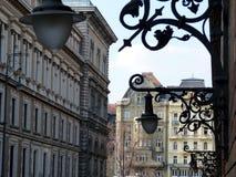 Dekorativa vägglyktor för tappning i Budapest i perspektiv arkivbilder