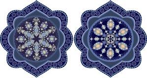 Dekorative Blumenverzierung in der Ostart Stockbilder