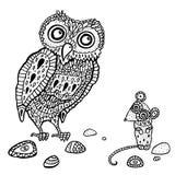 Dekorative Eule und Maus. Karikaturillustration. Stockfoto