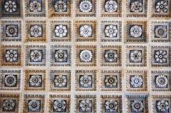Dekorative Fliesedecke der Wandverkleidung Stockfotografie