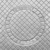 Dekorative Gusseisenabdeckung der Abwasserkanalluke Lizenzfreie Stockbilder
