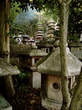 Dekorative japanische Steinstatuen Lizenzfreies Stockbild