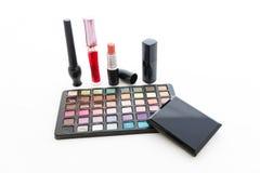 Dekorative Kosmetik der Gruppe für Make-up. Stillleben Lizenzfreie Stockfotos