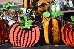 Dekorative Metall-Halloween-Kürbise Stockfotos