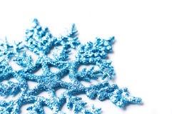 Dekorative Schneeflocke getrennt stockfotos