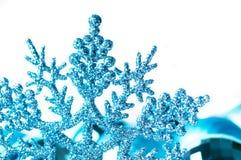 Dekorative Schneeflocke getrennt stockfotografie