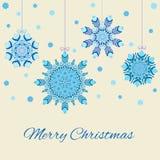 Dekorative Schneeflocken im Design von Weihnachtsbällen Stockfotos
