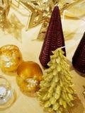 Dekorative Weihnachtsbaumfigürchen lizenzfreies stockbild