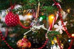 Dekorative Weihnachtsrotwild Stockfoto