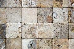 Dekorative Ziegelsteinbeschaffenheit des Travertins Stockbild
