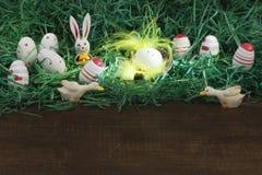 Dekorativer Ostern-Zusammensetzungsabschluß oben mit Platz für Text Stockfotos