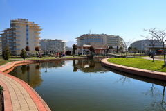 Dekorativer Teich im Sochi-Park-Hotel ADLER, RUSSLAND Stockfoto