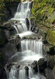 Dekorativer Wasserfall Stockfoto
