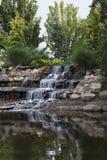 Dekorativer Wasserfall Lizenzfreie Stockbilder