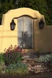 Dekorativer Zugang nahe Canyon Road, Santa Fe, New Mexiko Stockfotografie
