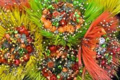 Dekoratives Bündel getrocknete wilde Blumen und Getreide Lizenzfreies Stockfoto