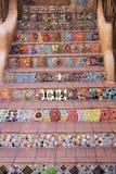 Dekoratives mit Ziegeln gedecktes Südwesttreppenhaus in Santa Fe, New Mexiko Stockfoto