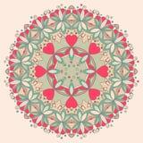 Dekoratives rundes Blumenmuster mit Herzen Stockfotos