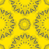 Dekoratives rundes organisches nahtloses Muster Stockbild